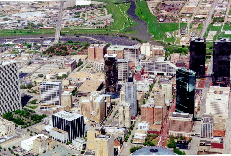 Damage of high-rise buildings – Fort Worth Texas (2000)